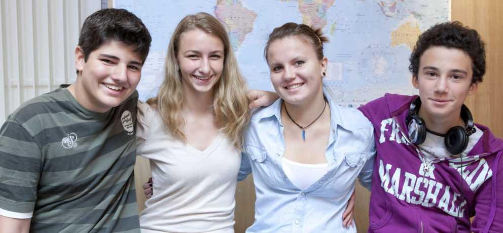 Etudiants en voyage pour apprendre le Français